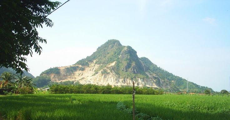 gambar pemandangan gunung terindah di indonesia foto pemandangan gambar pemandangan gunung terindah di indonesiahttp://pemandanganoce.blogspot.com/2017/09/gambar-pemandangan-gunung-terindah-di_9.html #pemandangan #pemandangan indah #pemandangan alam
