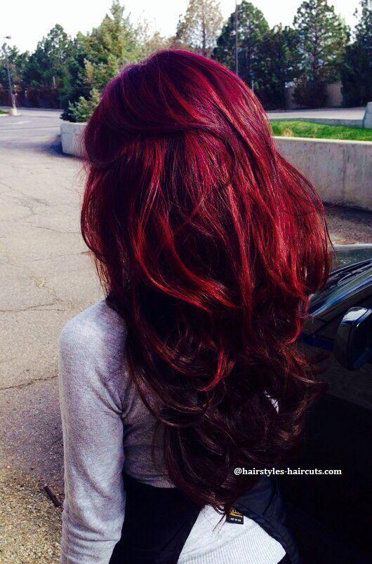 Couleur de cheveux rouge avec meches