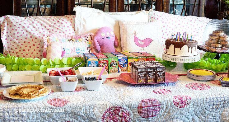 """The Polkadot Chair: Simple """"un"""" Slumber Party {table set like a bed...adorable}: Birthday Parties, Sleepless Night, Slumber Parties Ideas, Beds Sheet, Polkadot Chairs, Parties Tables, Sleepover Parties, Birthday Ideas, Un Slumb Parties"""