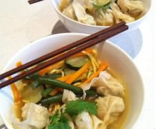 Recipe Chicken Wonton and Noodle Soup - Recipe of category Main dishes - meat