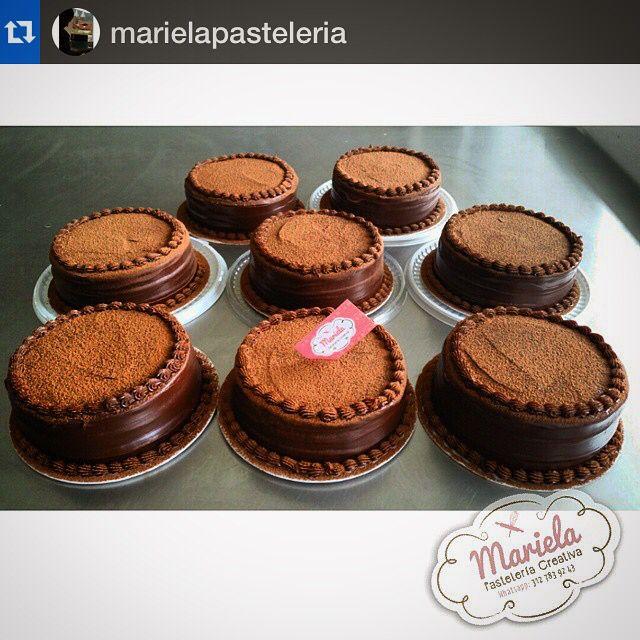 #Repost @marielapasteleria with @repostapp.・・・Tortas De Chocolate #marielapasteleria #cafemacanas @cafemacanas @dulcesdeljardin  Gracias @marielapasteleria por hacer las cosas con tanta pasión ☕️