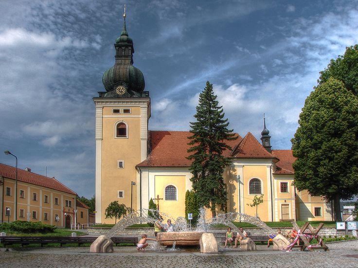kostel sv. Stanislava (mesto Kunštát, přestavba starší gotické stavby 1687)