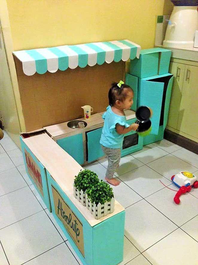 como fazer uma casinha de brinquedo de papelao e decorar com papel contact