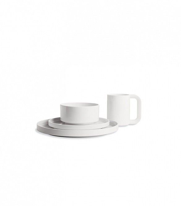 10 Timeless White Dinnerware Sets for Every Style via @domainehome