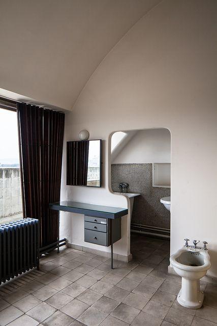 Appartement-atelier de Le Corbusier Architect: Le Corbusier, Pierre Jeanneret (1934) Location: Paris (16th), France