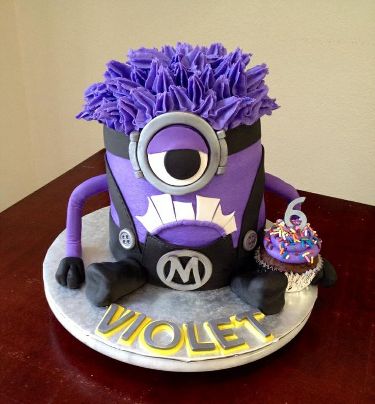 Purple Minion cake, despicable Me. By Tasha McKinley MY ...