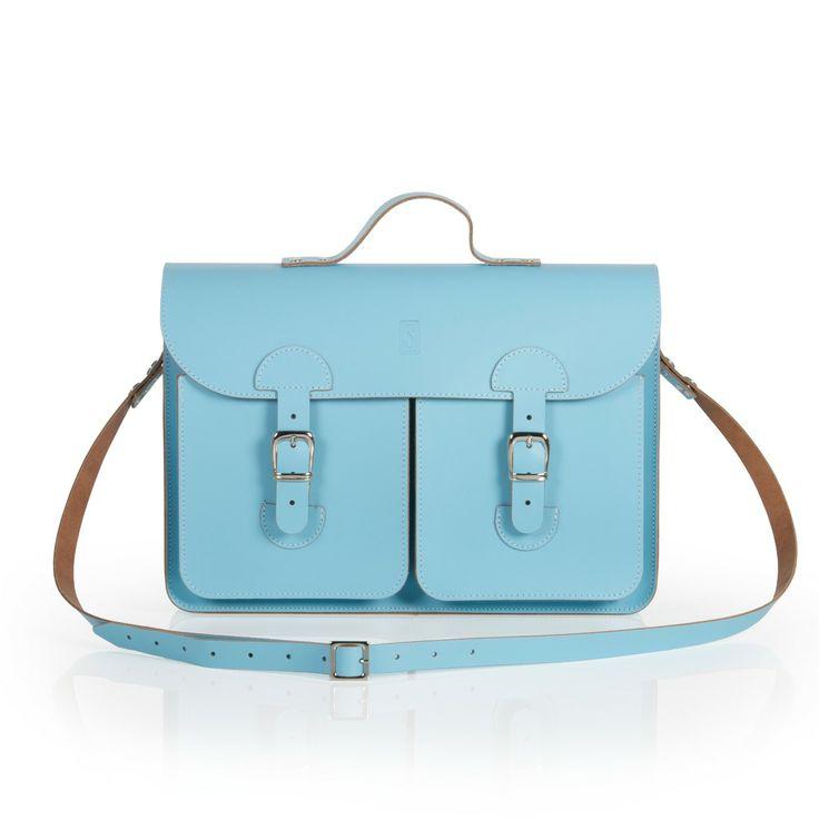 Oldschool Bags- Medium baby blauw. Verkrijgbaar bij www.bornidentity.nl