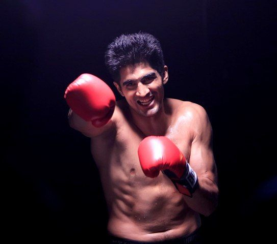 A dissatisfied Vijender Singh terminates his contract with Queensberry  http://sportscrunch.in/a-dissatisfied-vijender-singh-terminates-his-contract-with-queensberry/ #QueensberryPromotions #VijenderSingh  #NewsToday #ProBoxing #SportsCrunch