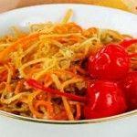 Морковный салат с орехами Для приготовления блюда Морковный салат с орехами необходимы следующие ингредиенты: две моркови, 1 корень петрушки, две столовые ложки рубленных грецких орехов, 20 гр вишни, 1 столовая ложка меда, лимонный сок, соль на пробу.