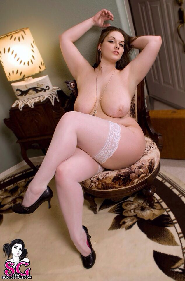 chubby women in nylons