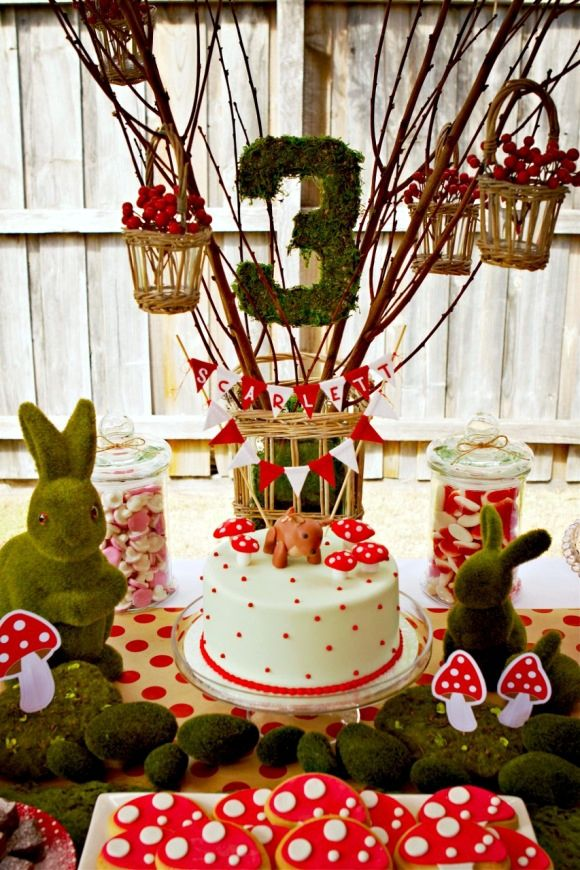 Cool Customers: A Beautiful Woodland Birthday Party from Down Under! by Bird's Party
