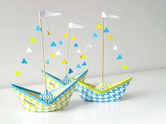 These folded paper boats are perfectly equipped for your next child's birthday party. Use as a table decoration or for serving small nibbles. Ship Ahoy and enjoy your paper project.