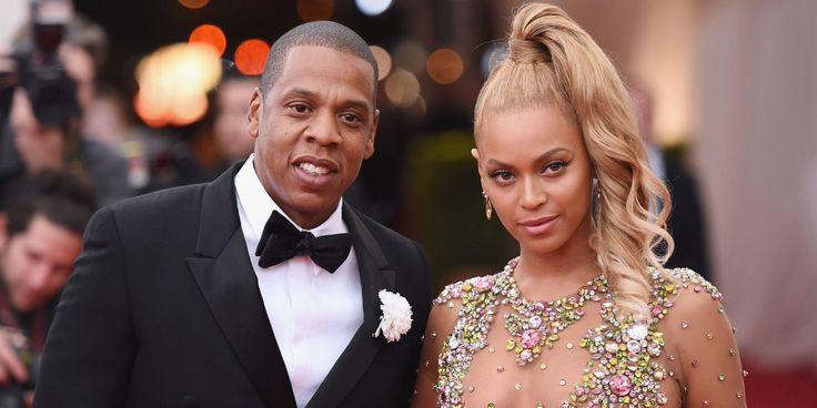 Jay-Z Finally Addresses Cheating Rumors And Apologizes To Beyoncé In New Album '4:44'  http://www.elle.com/culture/music/news/a46368/jay-z-cheating-rumors-beyonce-album/