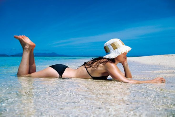 Resequedad en el cuerpo . La resequedad corporal o la piel seca es un problema común que generalmente se puede tratar con remedios caseros o medicamentos de venta libre. Hay varias causas para la piel seca y una simplemente es la negligencia. Debes cuidar de tu piel o la piel reseca puede provocar ...