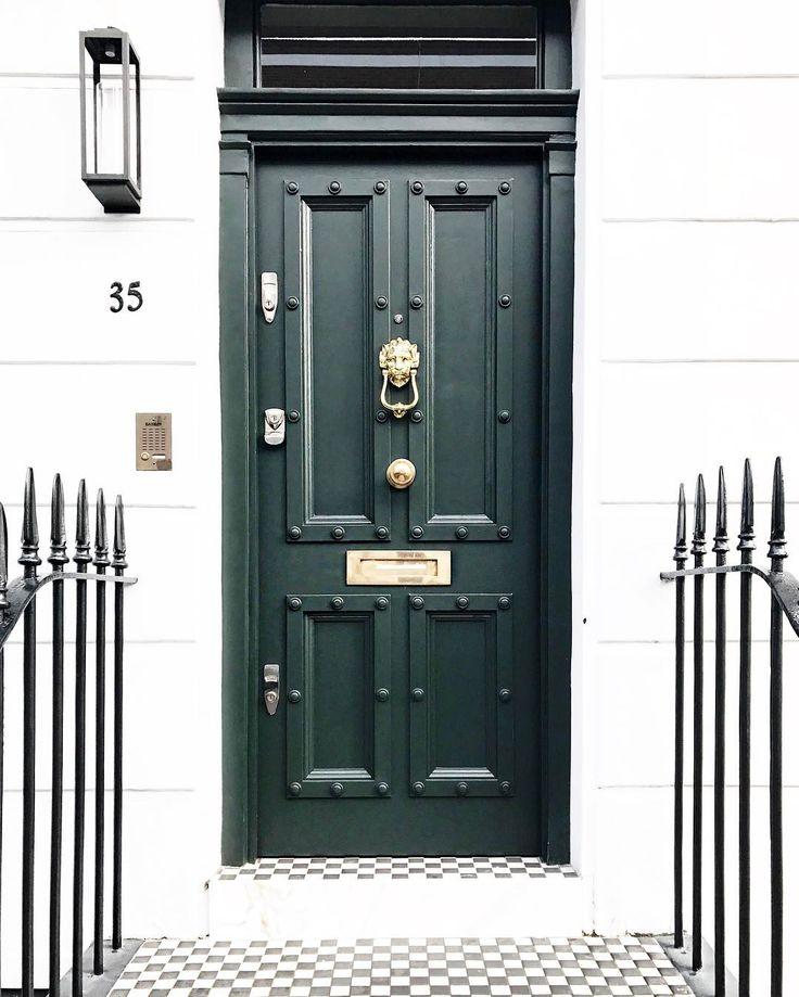London doors ❤ Vic Ceridono | Dia de Beauté