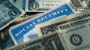 From the U.S. News & World Report website Your annual earnings determine theamount you will receive from Social Securityin retirement. But incorrect or omitted earnings could cause you to mis…