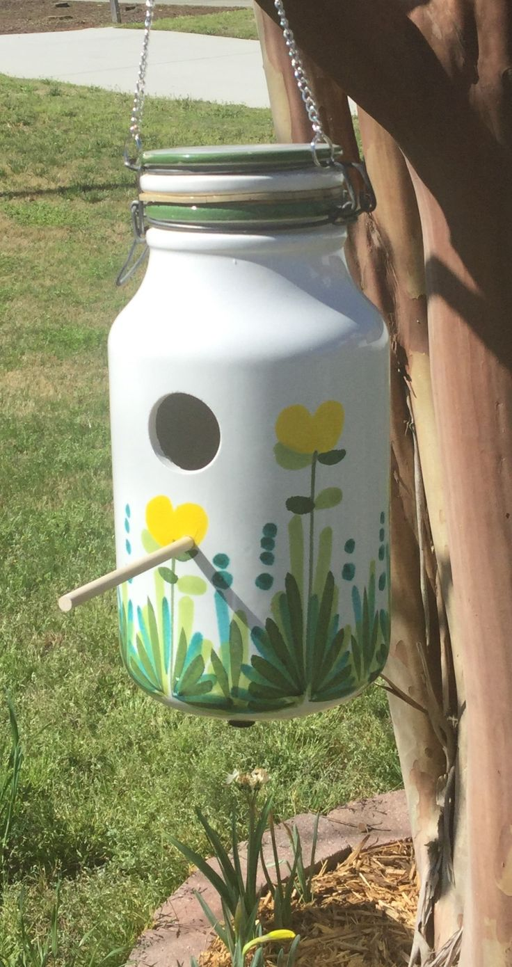 Pl plastic bottle bird feeder instructions - Bird House Made From An Upcycled Flour Canister