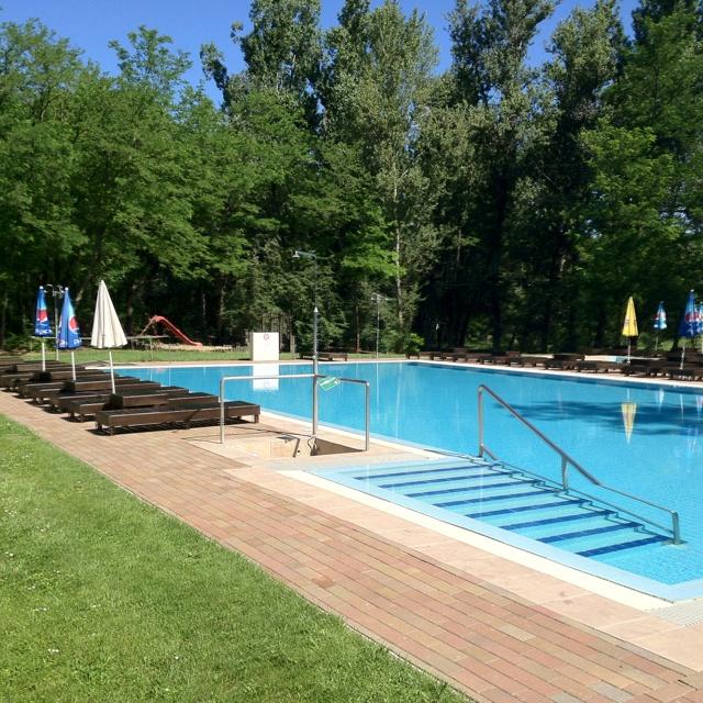 Vargas Tanya pool