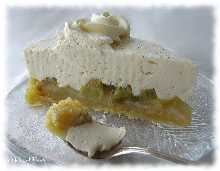 vanilla rhubarb cake from Kinuskikissa (in Finnish)
