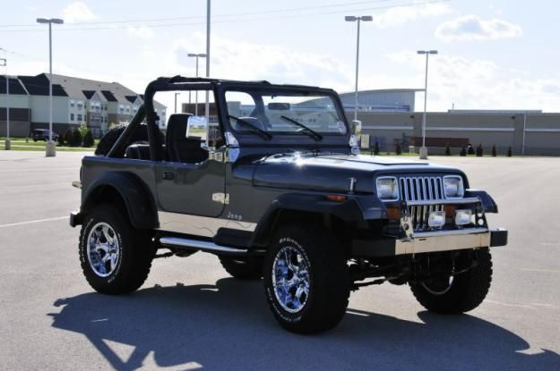 Jeep Wrangler YJ - Decked out in Chrome
