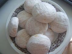 Тесто на 66 штук 500 мл молока 250 гр муки 500 гр сахара чуть соли 100 мл раст. масла 4п ванильного сахара (32 гр) 4п разрыхлителя (60 гр) 2яйца 2 желтка 1кг...