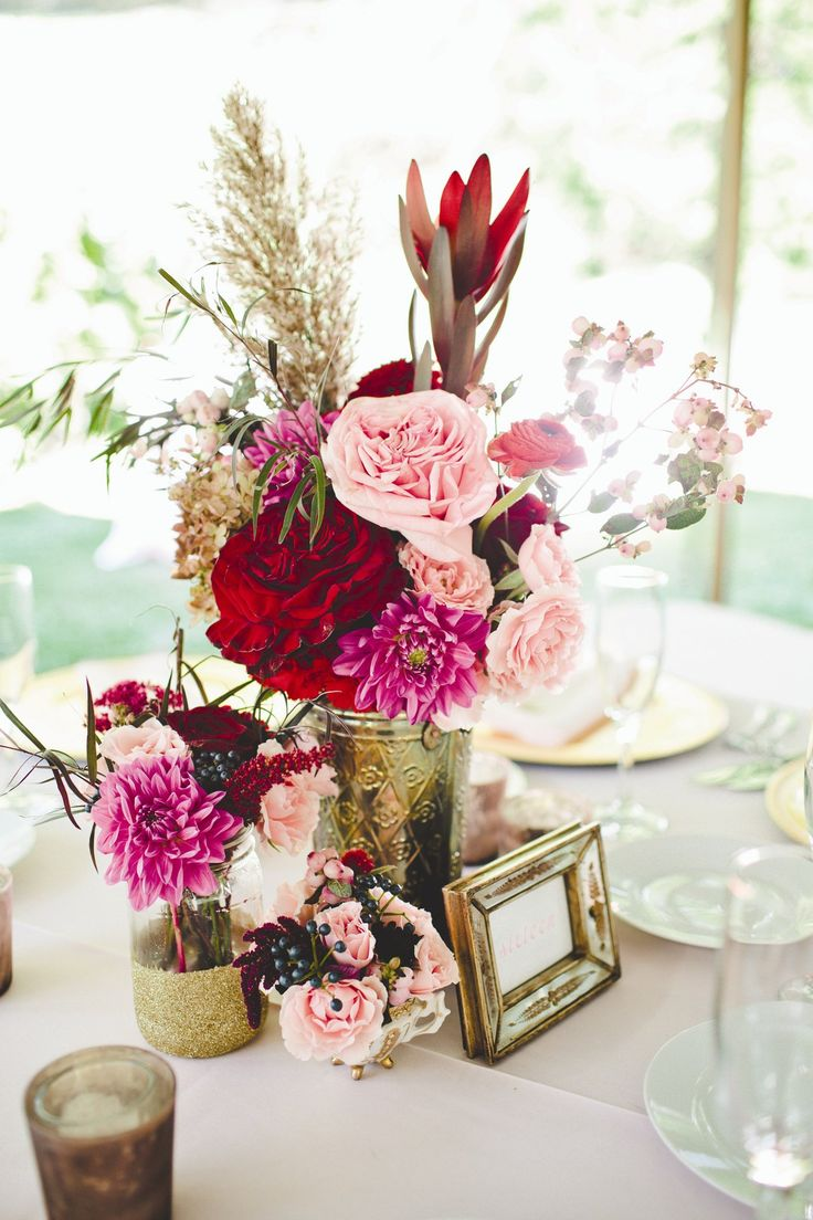 Love the flower colors with gold vases shimmer needs