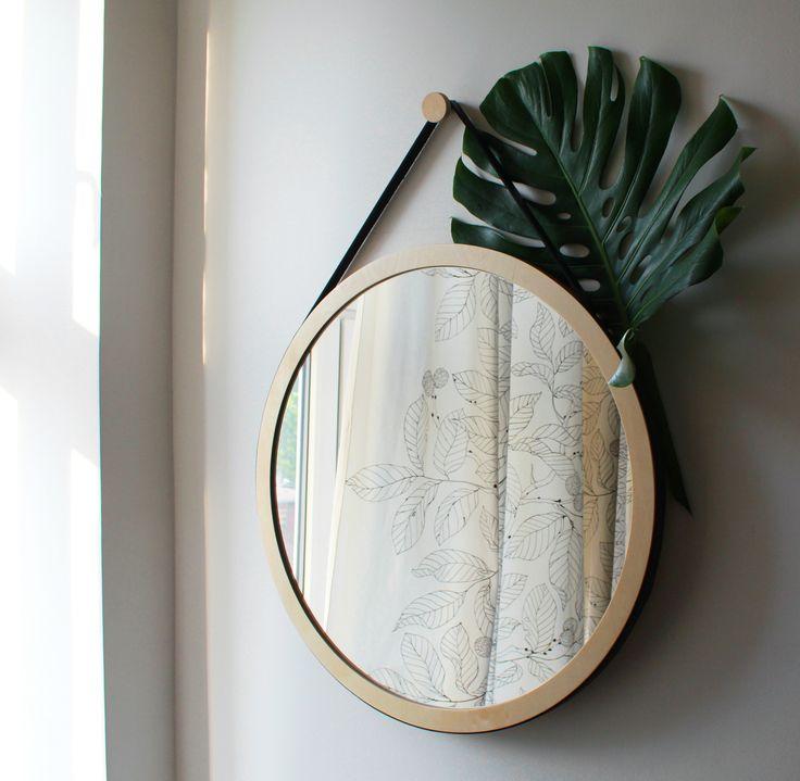 Woodoo People Lustro na pasku No. 2 / #ladnerzeczy #targirzeczyladnych #ladnerzeczydziejasiewinternecie #polishdesign #design #mirror #lustro #madeof wood
