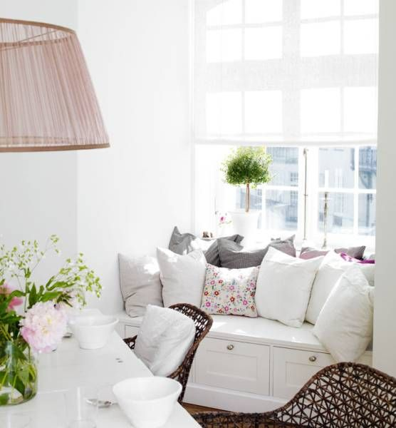 Cosy nook to curl up and read in.