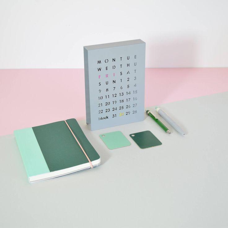 Koe jokapäiväinen magneettien siirtämisen ilo! BLOCK®, Interiortodayfi, pöytäkalenteri, kalenteri, metalli, ajaton, toimisto, kotikonttori, työhuone