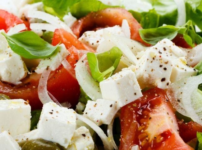 Часами стоять у плиты у многих хозяек нет ни времени, ни  желания. Но можно ли приготовить полноценный обед из трех блюд  за полчаса? Конечно! Попробуйте эти рецепты и убедитесь сами. – читайте на Domashniy.ru