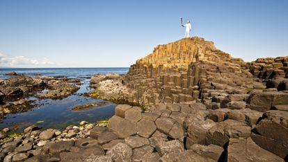 L'histoire de la Chaussée des Géants, sur la côte d'Antrim   Ireland.com