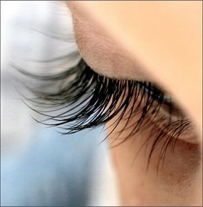 Forget all those controversy-laden lash boosting concoctions – simply dab a bit of flax seed oil on your lash line every night. Flax seeds contain Omega-3, -6, and -9, along with B vitamins and lecithin to repair lash damage and stimulate their growth.
