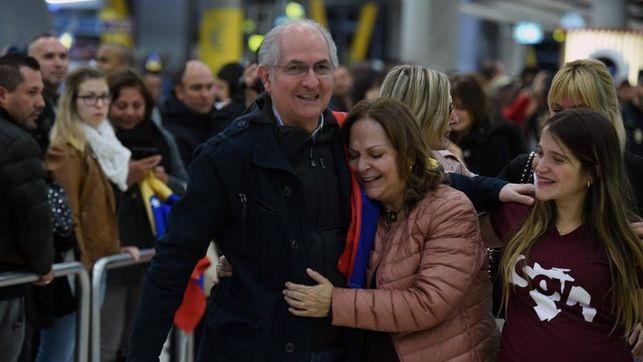 Rajoy recibe en Moncloa al opositor venezolano que escapó de su arresto domiciliario