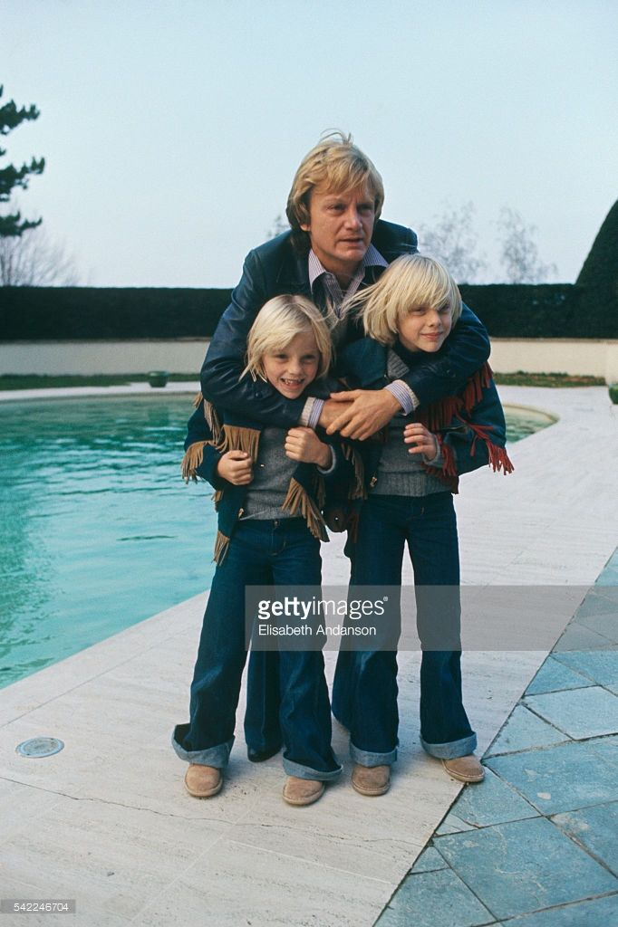 French singer Claude Francois with his sons Claude (R) and Marc (L) in Evian-les-Bains in 1976.