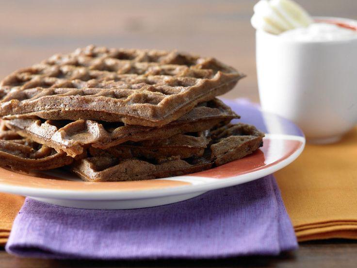 Schokowaffeln mit Bananenjoghurt - Kinderfrühstück (1–6 Jahre) - smarter - Kalorien: 248 Kcal - Zeit: 30 Min. | eatsmarter.de