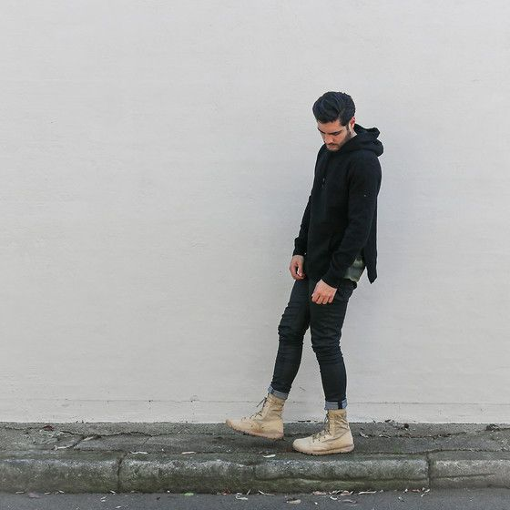 Get this look: http://lb.nu/look/7826722 More looks by Mattthw D: http://lb.nu/mattthw Items in this look: Mattthw Coming Soon: Side Slit Hoodie, A.P.C. Camo Tee, Nudie Jeans Skinny Lin, Nike Sfb Boots In British Khaki #casual #minimal #street