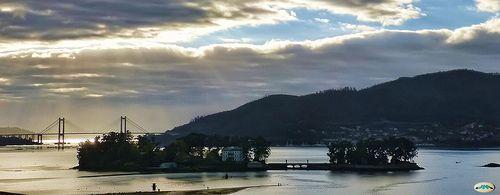 Ría de Vigo-Isla de San Simón y puente de Rande