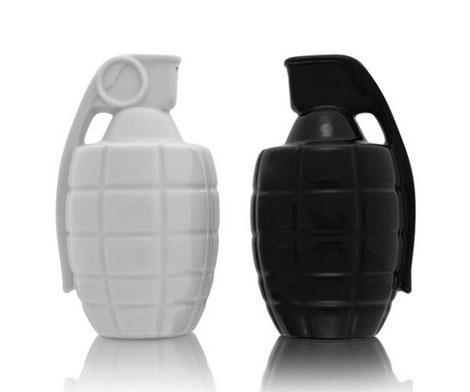 Salt and Pepper Shakers Combo ~ designcombo