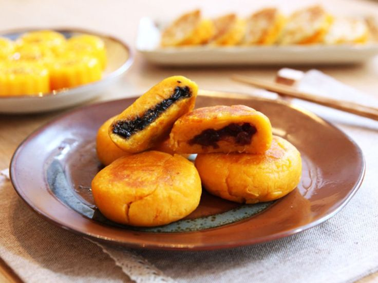 Red Bean and Black Sesame Sweet Potato Cakes