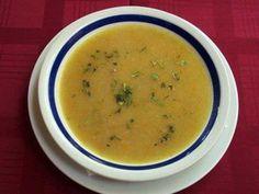CHORBA (recette serbe) /500 g de rôti de veau, 1 oignon,  2 pommes de terre,  2 carottes,  1 œuf,  1 branche de céleri,  2 CS de farine, 1 bouillon de bœuf, 1 cc de sel, 1 cc de poivre, 1 CS de paprika,1 branche de persil frais,  1 filet d'huile d'olive ( voir le site pour la recette)*