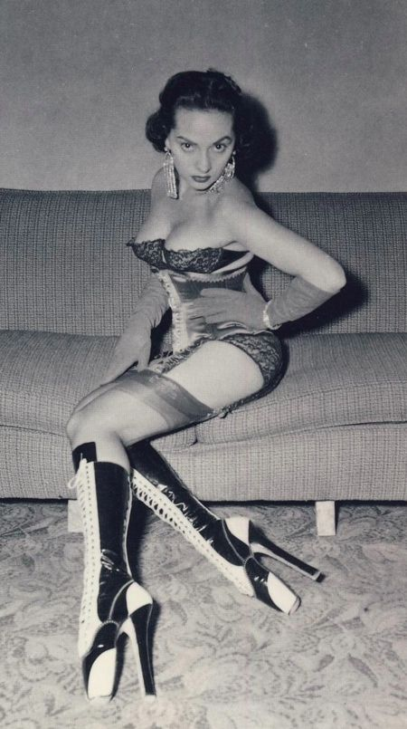 1950s houewife fetish