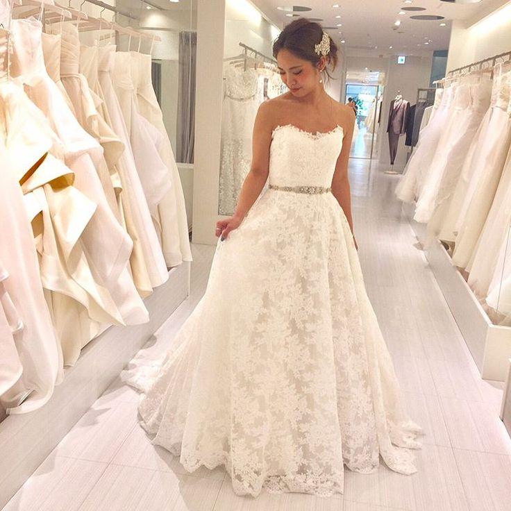 卒花試着レポ こちらはNYのブランド#romonakeveza のドレス   知らない人も多いかもしれませんが海外では大人気のブランドなので今後人気になること間違いなしです   モデルは @maaarina0806 さんが付けているヘアアクセサリーもレンタルOK   こちらのドレスは @felicevita_bellissima さんでご試着可能です ------------------------------ こちらのドレスをBeautyBrideからレンタルするとお得な特典が   ご試着予約&ご相談は 0120-511-530 DMからも トップページのURLからも  お気軽にお問い合わせください   #fellicevitabellissima#ビューティブライド #プレ花嫁 #日本中のプレ花嫁さんと繋がりたい #カラードレス #お色直し #ドレス試着 #ドレスレポ #カラードレス迷子 #和装 #卒花嫁 #2017冬婚 #2017秋婚 #2018春婚 #レンタルドレス #特典 #お得…