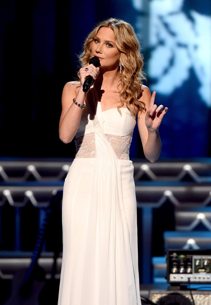 Cma Christmas Special 2020 Artists Performed Pictures Jennifer Nettles Cma Christmas 2020   Wcxbnn.newyearplus.site