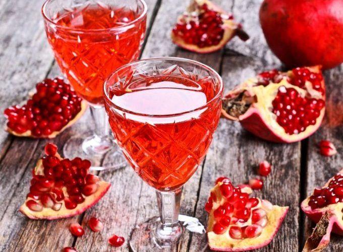 Il liquore al melograno, una ricetta semplice e... allegra