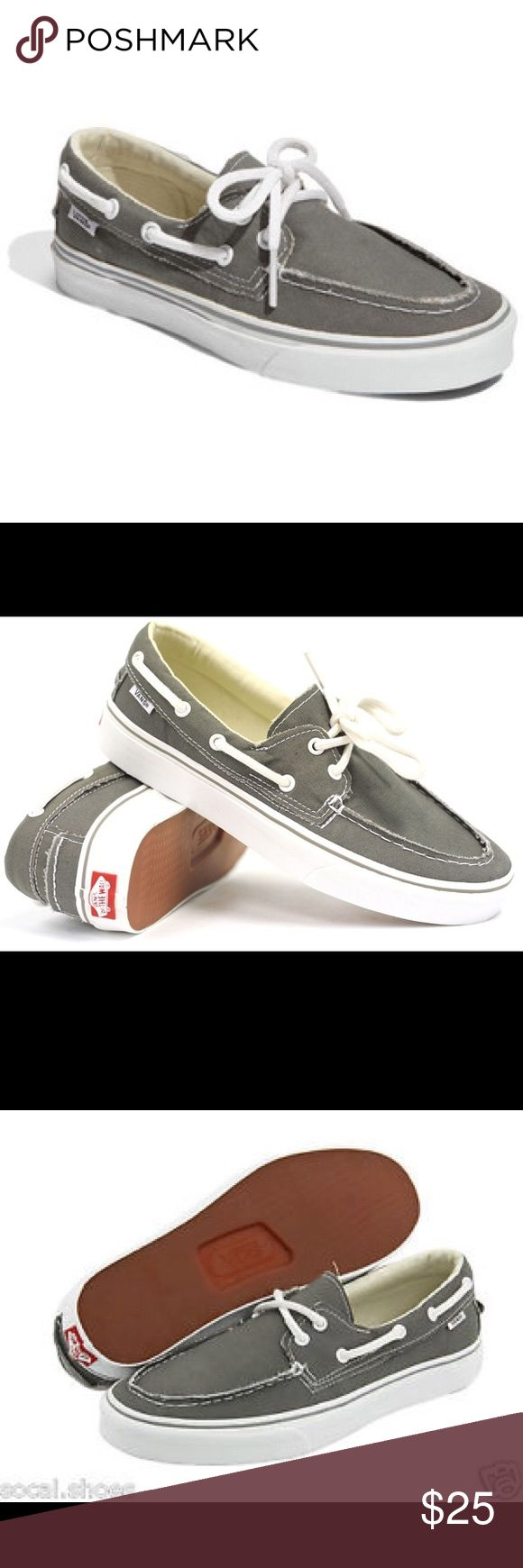 Vans Zapato Del Barco UNISEX Vans The Zapato Del Barco features a boat shoe made from canvas and given a rough edge for a worn look. It is built with padded insoles, metal eyelets and vulcanized tread. Worn, but in good condition. Vans Shoes Boat Shoes