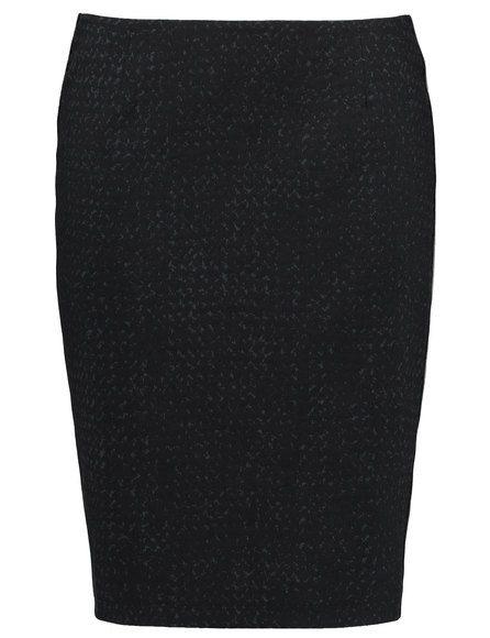 De kwaliteit stretch rok zorgt voor een prachtig vrouwelijk silhouet met heerlijk comfort. Elegante stijl met geweven contrast voering en zijbekleding... Bekijk op http://www.grotematenwebshop.nl/product/modieuze-rok-met-contrast-dessin/