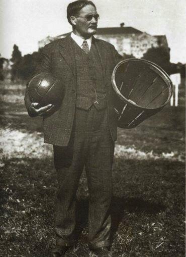 #UNDIACOMOHOY Hace 153 años, el 6 de Noviembre de 1861. NACE JAMES NAISMITH.