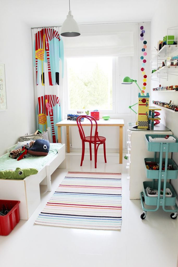 Boys' room / White and colour / Fresh / Ton / Thonet / Artek / Muurame / Marimekko / Jielde
