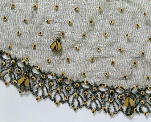 Bee Bonnet vail c.1860 Victoria & Albert Museum