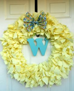 How to make a recycled sheet wreath   Recycled Crafts   CraftGossip.com